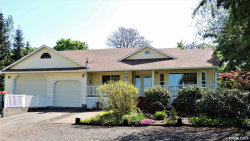 Photo of 737 W Main St, Silverton, OR 97381 (MLS # 748198)