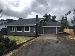 Photo of 200 Valentine Av, Sutherlin, OR 97479 (MLS # 749162)