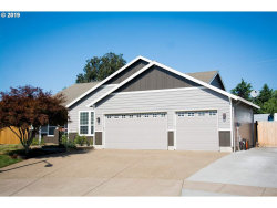 Photo of 12025 McCord Heights Ct, Oregon City, OR 97045 (MLS # 751398)