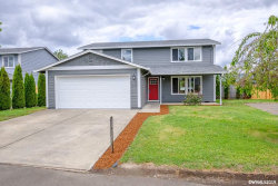 Photo of 1727 W Lincoln St, Woodburn, OR 97071 (MLS # 751952)