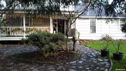 Photo of 218 Fairview St, Silverton, OR 97381 (MLS # 752047)