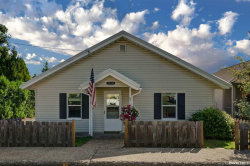 Photo of 1570 SW Hill St, Dallas, OR 97338-2421 (MLS # 754119)