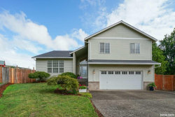 Photo of 19312 Gentry Highlands Ln, Oregon City, OR 97045 (MLS # 754740)