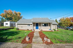 Photo of 1491 SW Ninth St, Dallas, OR 97338 (MLS # 756612)