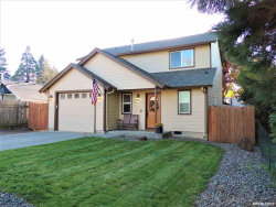 Photo of 513 Wall St, Silverton, OR 97381-1258 (MLS # 756852)