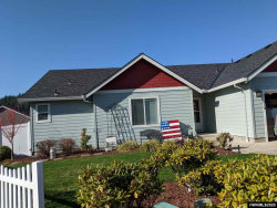 Photo of 913 Riley Dr, Silverton, OR 97381 (MLS # 758317)