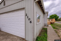 Photo of 2106 21st Pl SE, Albany, OR 97322 (MLS # 758779)