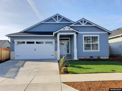 Photo of 911 Chestnut St, Independence, OR 97351 (MLS # 759062)