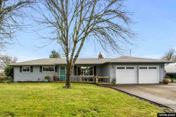 Photo of 2921 Pine St SE, Albany, OR 97322 (MLS # 759206)