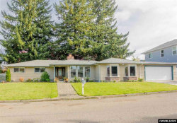 Photo of 910 Gatch St, Woodburn, OR 97071 (MLS # 759570)