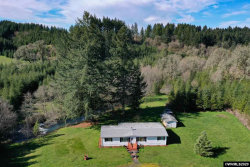 Photo of 437 Victor Point Rd NE, Silverton, OR 97381-9511 (MLS # 761621)
