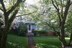 Photo of 718 E Main St, Silverton, OR 97381 (MLS # 763308)