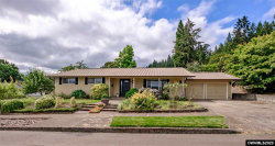 Photo of 225 Hawthorne St, Sweet Home, OR 97386 (MLS # 765454)