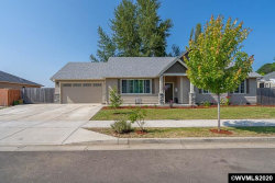 Photo of 313 Castlebrook Ct, Silverton, OR 97381 (MLS # 765614)