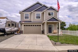 Photo of 1412 SW 14th St, Dallas, OR 97338 (MLS # 765843)