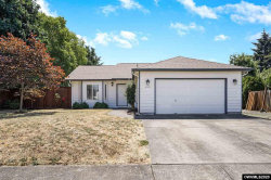 Photo of 890 Lincoln St, Aumsville, OR 97325-8961 (MLS # 766961)