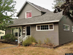 Photo of 423 S 2nd St, Silverton, OR 97381 (MLS # 768523)