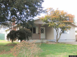 Photo of 1390 SW Tenth St, Dallas, OR 97338 (MLS # 770533)