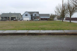 Photo of 617 Luscombe St, Independence, OR 97351 (MLS # 730977)