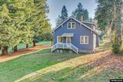 Photo of 9270 SW Edgewood St, Tigard, OR 97223 (MLS # 759424)