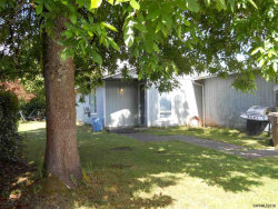 Photo of 2747 8th St, Lebanon, OR 97355 (MLS # 734636)