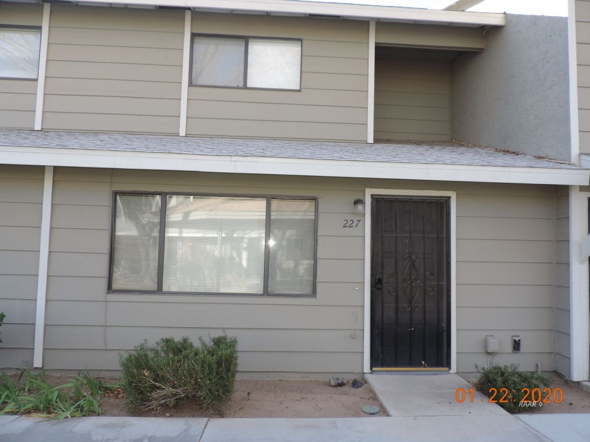 Photo for 227 E Upjohn AVE, Ridgecrest, CA 93555 (MLS # 1956727)