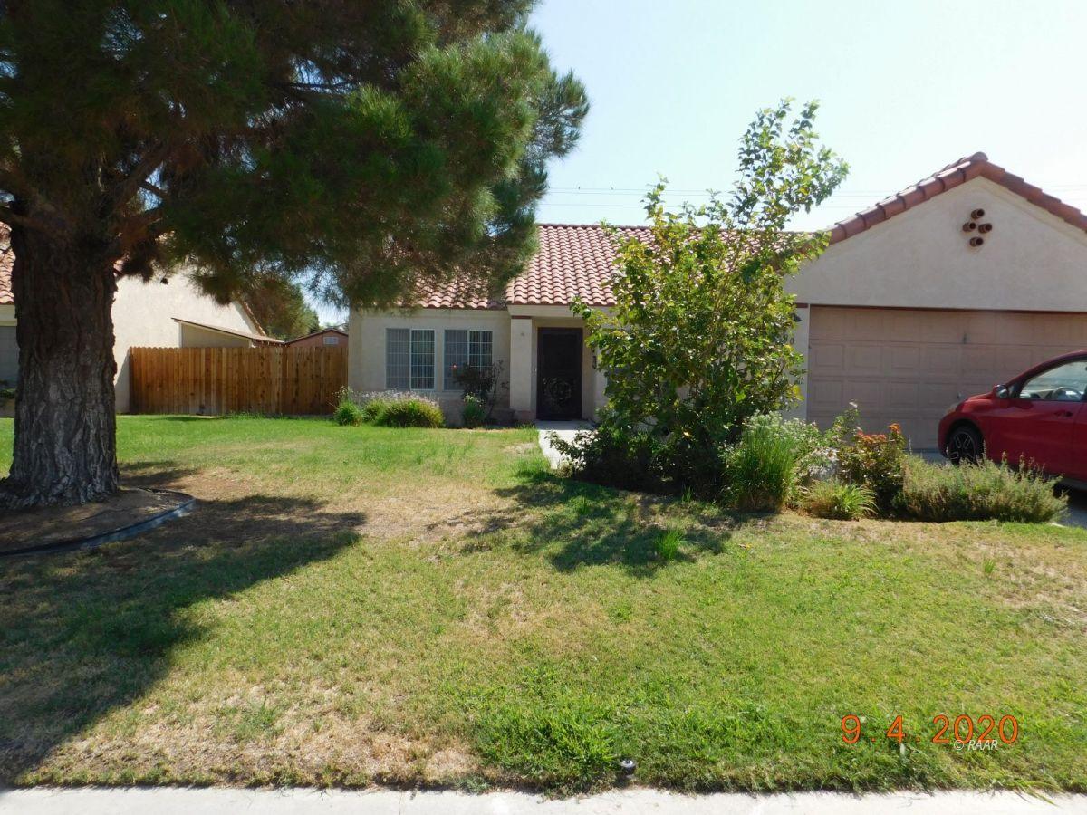 Photo for 730 La Paloma ST, Ridgecrest, CA 93555 (MLS # 1957533)