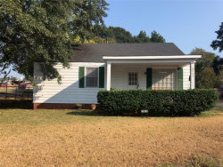 Photo of 2923 MCQUEEN Street, Montgomery, AL 36107 (MLS # 462759)