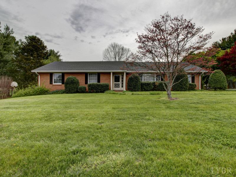 Photo for 1700 Oakwood Street, Bedford, VA 24523 (MLS # 304741)