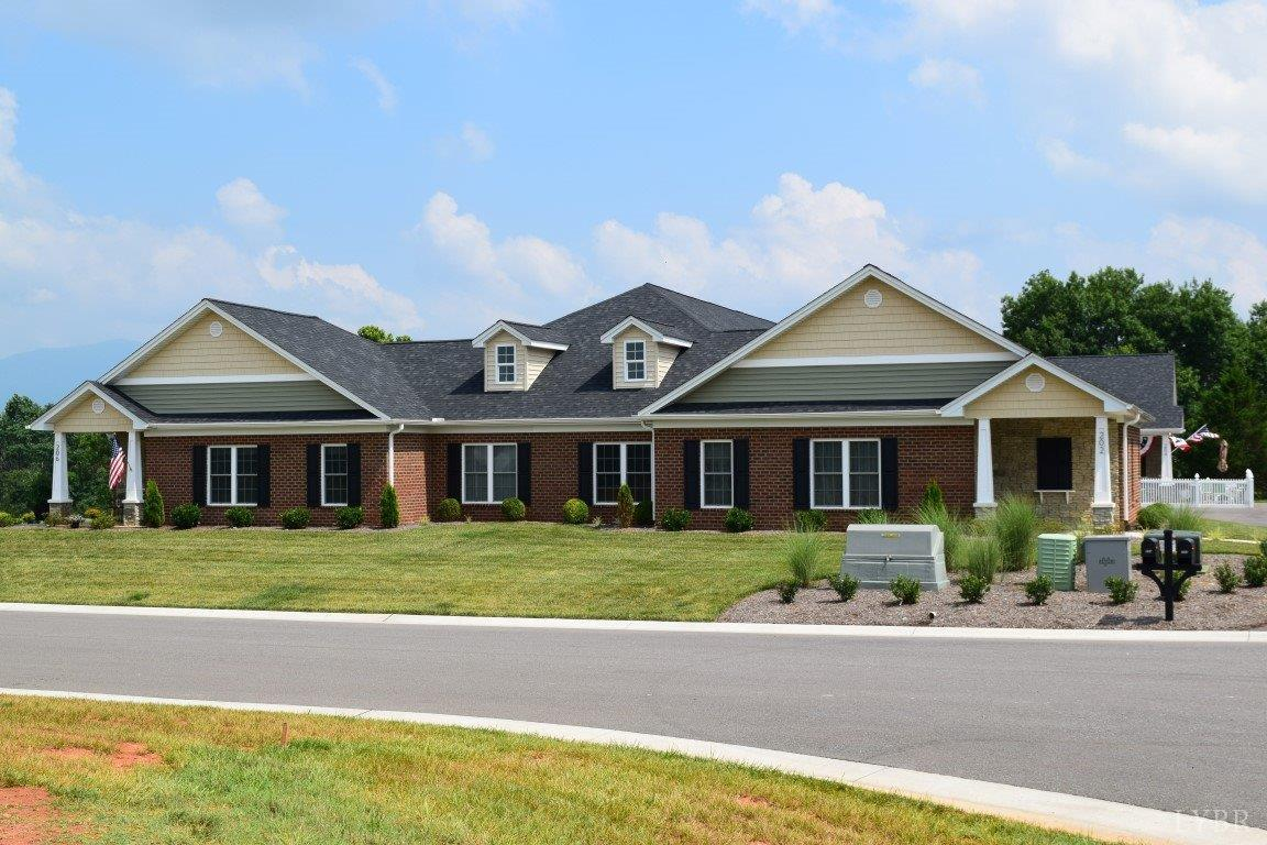 Photo for Villa Oak Circle, Bedford, VA 24523 (MLS # 312928)