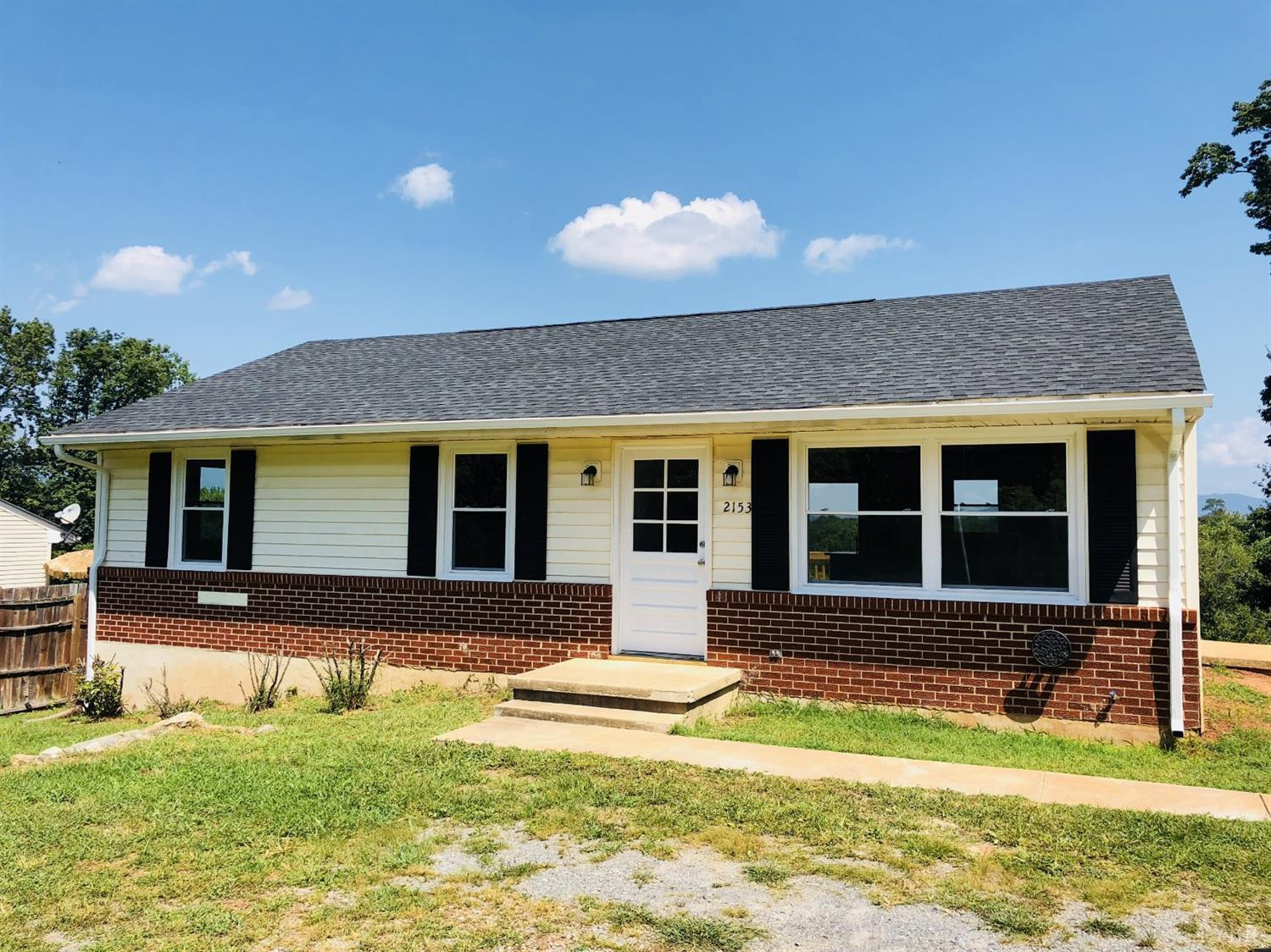 Photo for 2153 Mcghee Street, Bedford, VA 24523 (MLS # 314102)