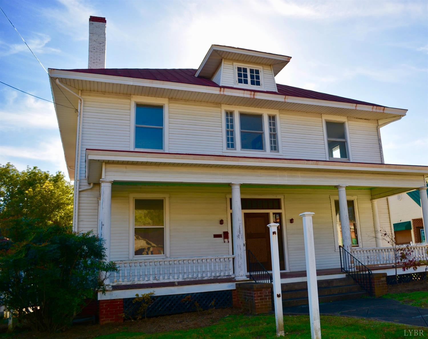 Photo for 408 E Main, Bedford, VA 24523 (MLS # 315446)