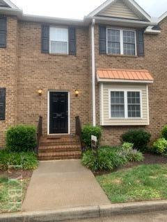 Photo of 1002 Enterprise Drive, Unit 304, Lynchburg, VA 24502 (MLS # 326864)