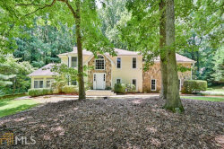 Photo of 425 Hembree Hollow, Roswell, GA 30076-1162 (MLS # 8815647)