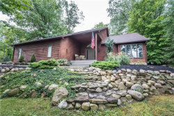 Photo of 1 Squire Drive, Orchard Park, NY 14127 (MLS # B1151014)