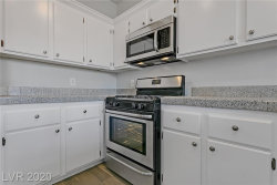 Photo of 251 South Green Valley Parkway, Unit 2212, Henderson, NV 89012 (MLS # 2193664)