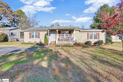 Photo of 230 Evelyn Drive, Greenville, SC 29605 (MLS # 1380922)