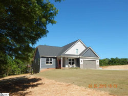 Photo of 220 W Lakeview Drive, Duncan, SC 29334 (MLS # 1391412)