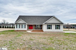Photo of 484 Carriage Gate Drive, Wellford, SC 29385 (MLS # 1411019)