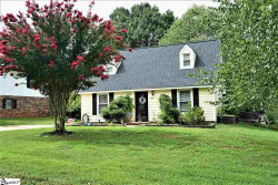 Photo of 407 W Yellow Wood Drive, Simpsonville, SC 29680 (MLS # 1415376)