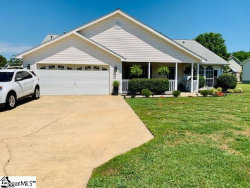 Photo of 104 Country Gardens Drive, Fountain Inn, SC 29644 (MLS # 1421807)