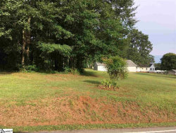 Photo of 357 Tucapau Road, Wellford, SC 29385 (MLS # 1373625)