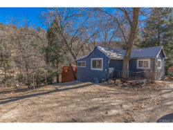 Photo of 1457 Rockridge Drive, Lake Arrowhead, CA 92352 (MLS # CV17269638)