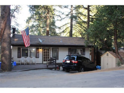 Photo of 24010 Lakeview Drive, Crestline, CA 92325 (MLS # CV17270786)