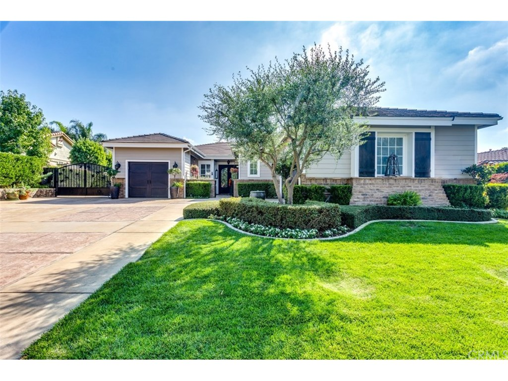 Photo for 2872 Teal Street, La Verne, CA 91750 (MLS # CV18254695)