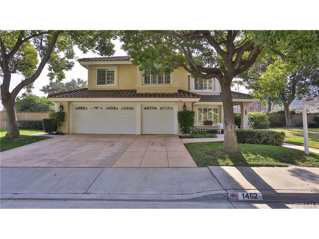 Photo for 1452 PASEO VICTORIA, San Dimas, CA 91773 (MLS # CV19023740)