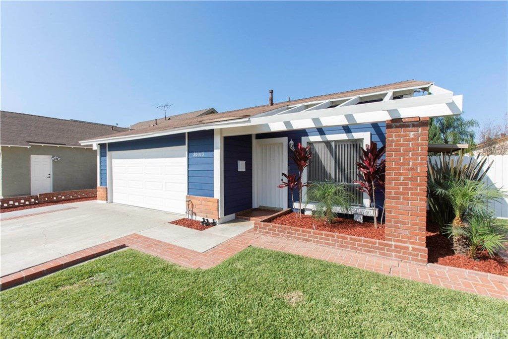 Photo for 20313 Belshire Avenue, Lakewood, CA 90715 (MLS # DW20199885)