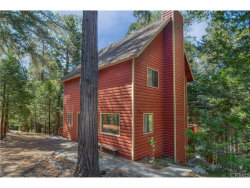 Photo of 621 Raccoon Lane, Lake Arrowhead, CA 92352 (MLS # EV17229720)