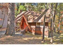 Photo of 27828 Rainbow Drive, Lake Arrowhead, CA 92352 (MLS # EV17239051)