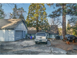 Photo of 27618 Weirwood Drive, Lake Arrowhead, CA 92352 (MLS # EV17264013)